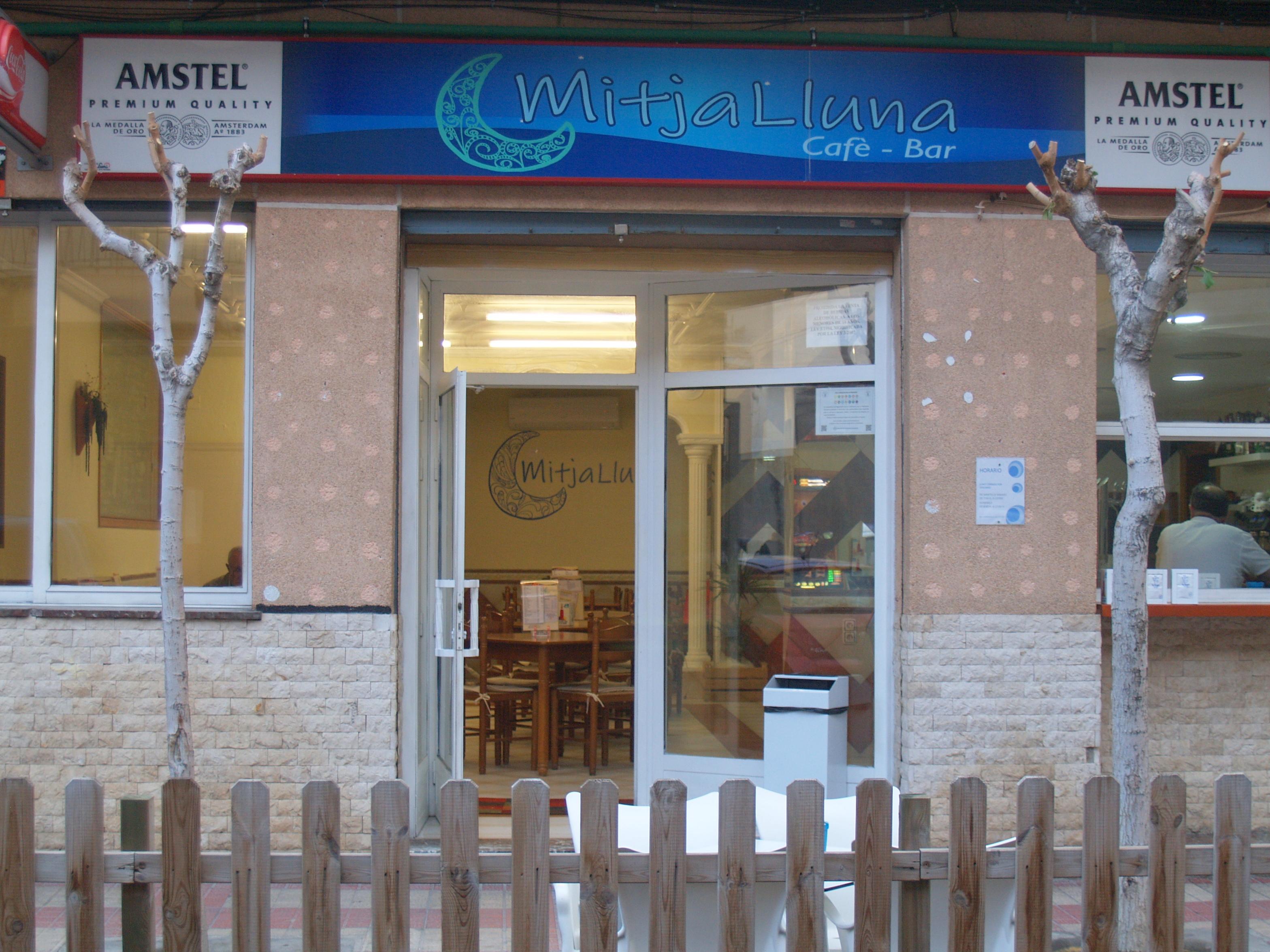 Bar Mitja LLuna en El Campello(Alicante)